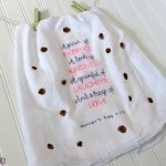 A Fingerprint Tea Towel for the Mom Who Bakes {A Mother's Day Craft and Gift}