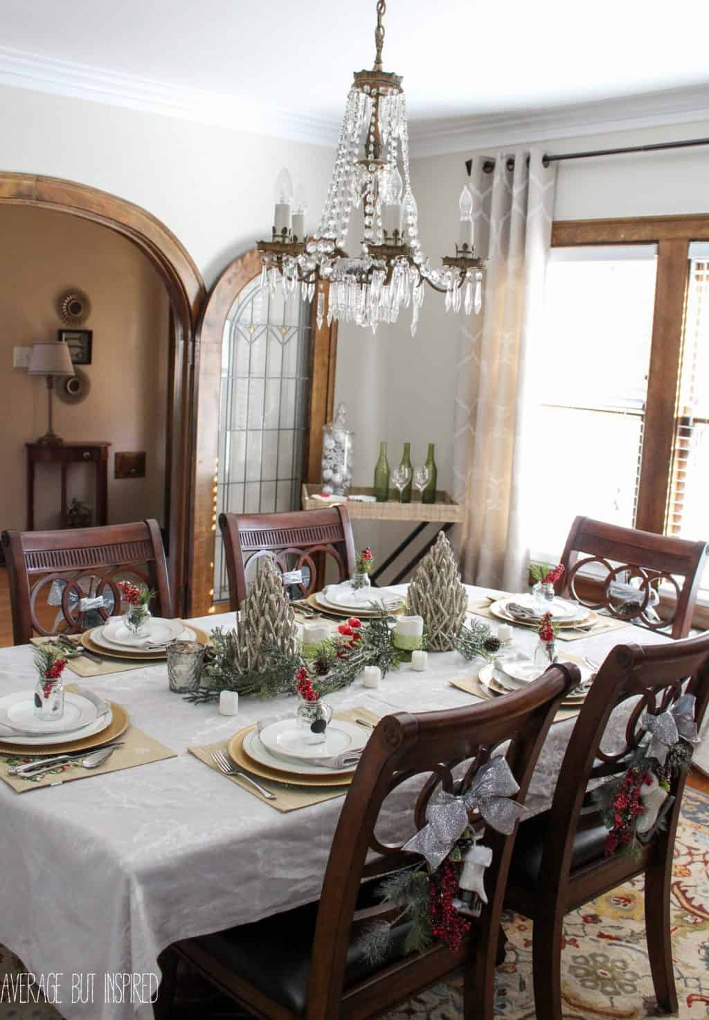 5 tips for decorating the dining room for christmas for Dining room decor ideas 2015