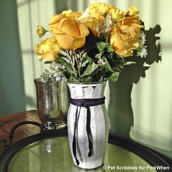 Give florist vases a new look with chalky finish paint!