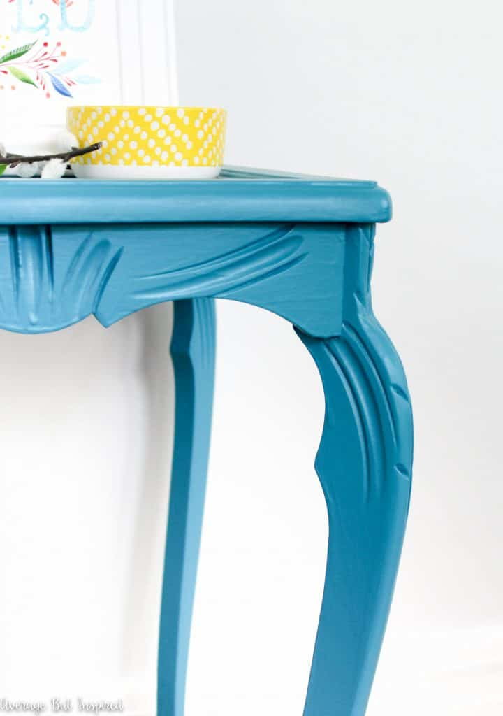 It is possible to paint furniture without using a topcoat or sealer! With the right kind of paint, you can achieve a durable and gorgeous finish.