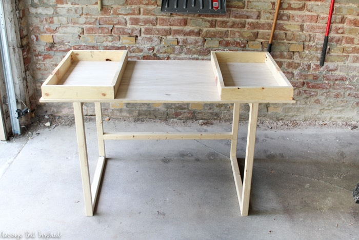 Learn how to build a beautiful DIY Modern Desk! It's so easy and is a perfect beginner Kreg Jig project. No prior woodworking experience needed! This is an easy build for beginners.