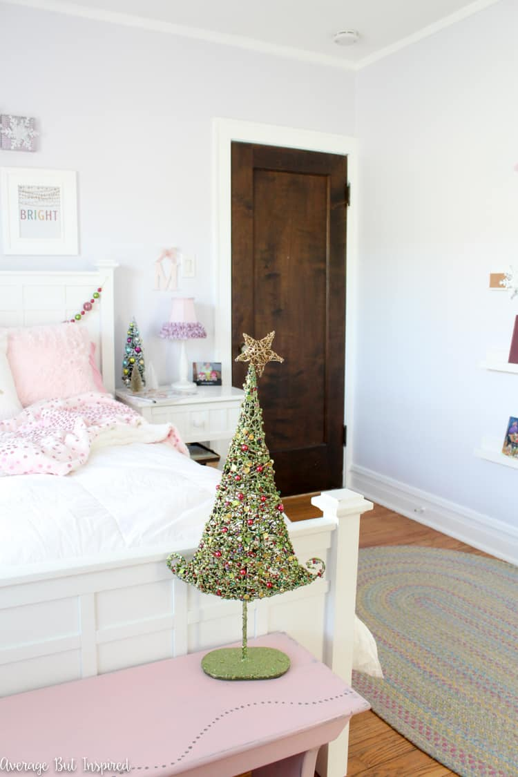 Deck the halls with these fun Colorful Christmas Kids Bedroom decor ideas!