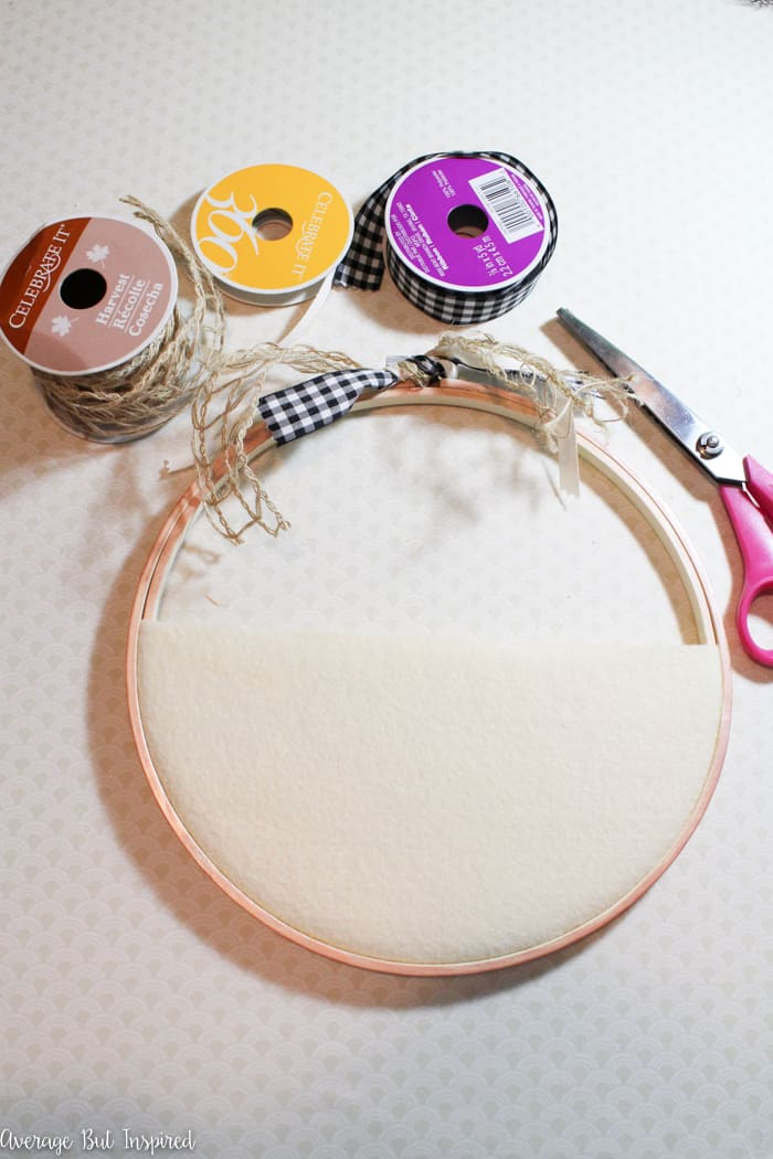 Make a beautiful Thanksgiving embroidery hoop wreath to help you remember what you're grateful for this season!